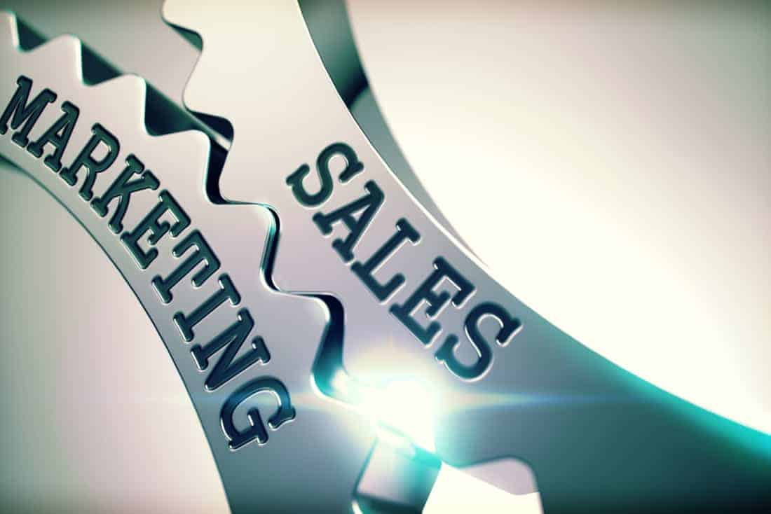 Im Bild verzahnen sich Marketing und Sales (Verkauf, Vertrieb) optimal