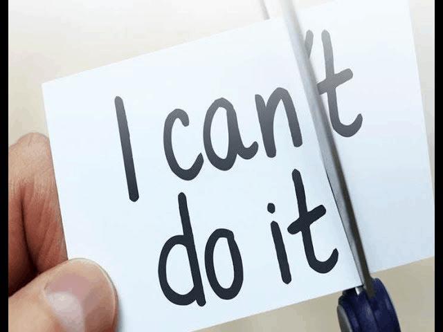 Das Bild zeigt den Schriftzug I can´t do it, eine Schere schneidet das t ab. I can do it.